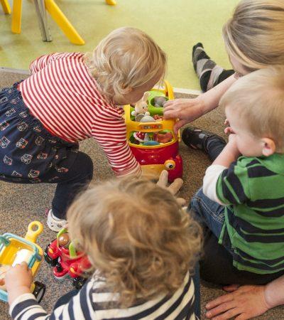 small world floor play